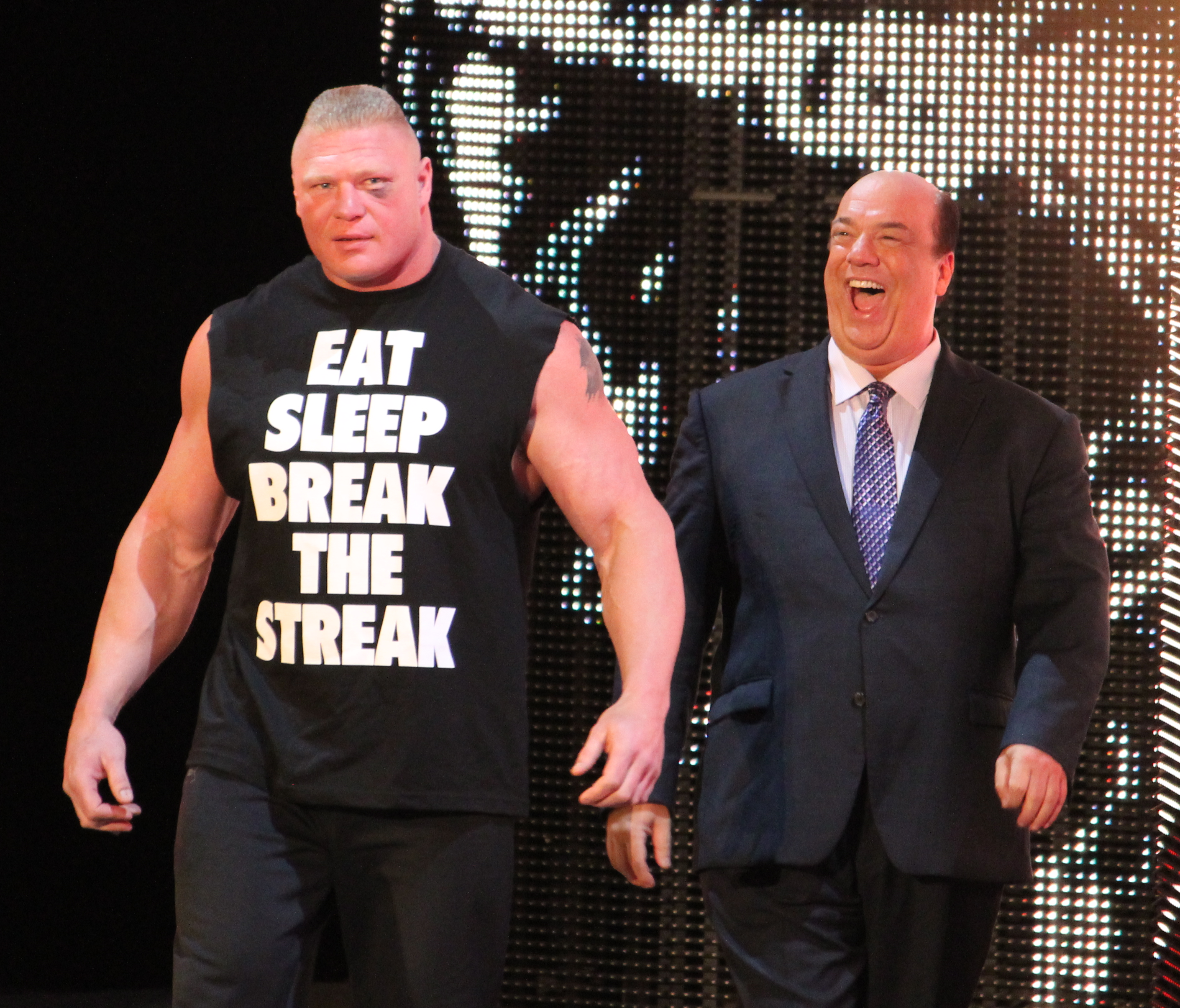 WWE_Raw_IMG_5540_(13772855913)_(cropped)